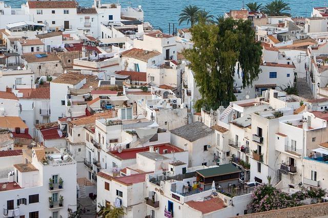 Hoe breng je je vakantie op Ibiza het beste door?